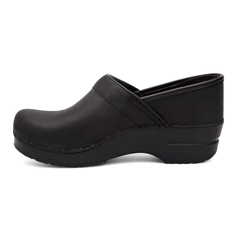 Dansko-professional-Black-Oiled-2-min